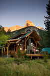 Cathedral Mountain Lodge, Field